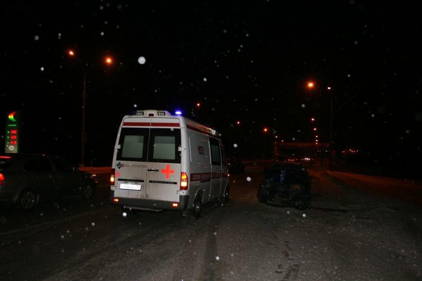 На Калужском шоссе автомобиль совершил наезд на мачту освещения (ФОТО), фото-6