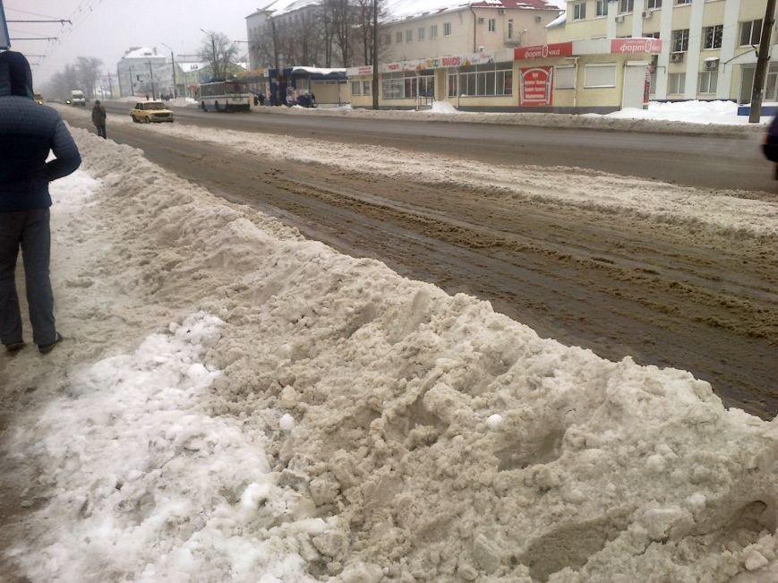 В Полтаві зупинку 11-а школа знову залило нечистотами (ФОТОФАКТ) (фото) - фото 3