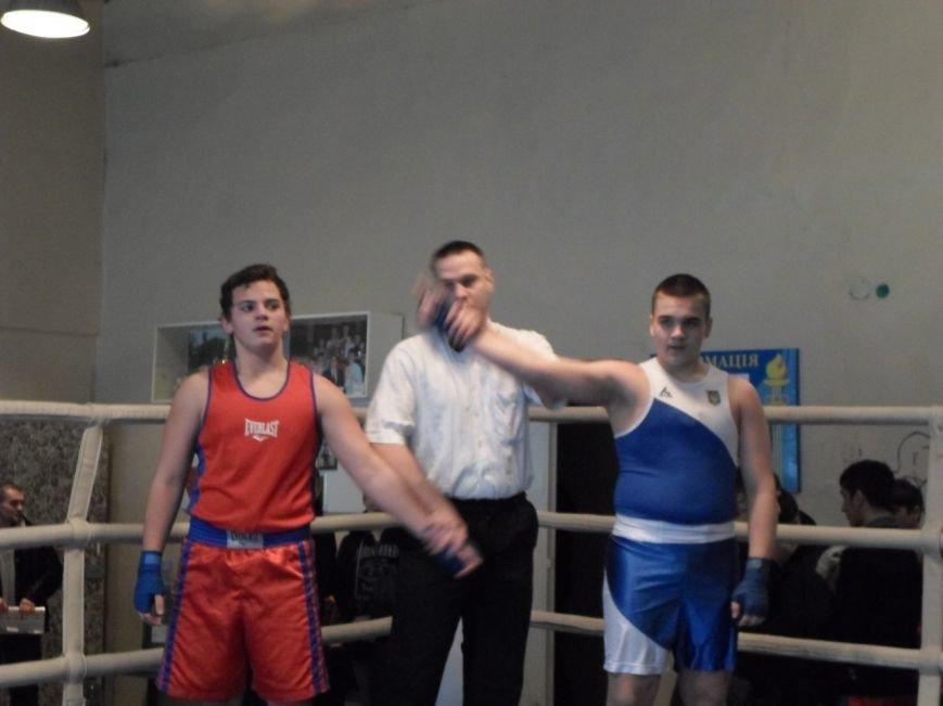 Определены лучшие боксеры первенства Кривого Рога среди юниоров (ФОТО) (фото) - фото 1