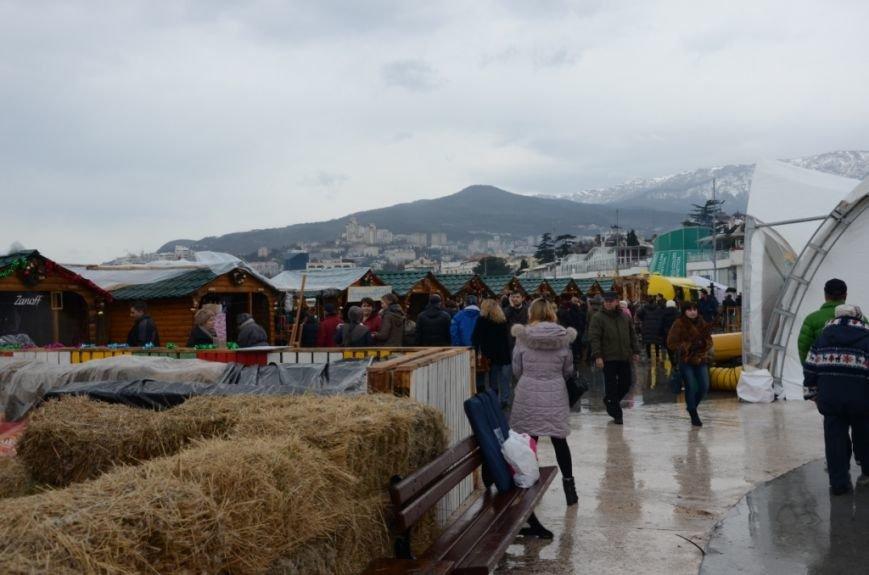 В Ялте начались четырехдневные Рождественские гуляния (ФОТО), фото-11