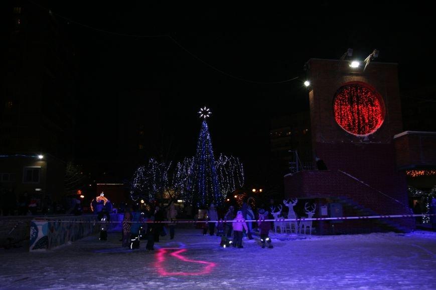 В новой Москве в Троицке на Рождество жителей города поздравили артисты столицы (ФОТО), фото-10