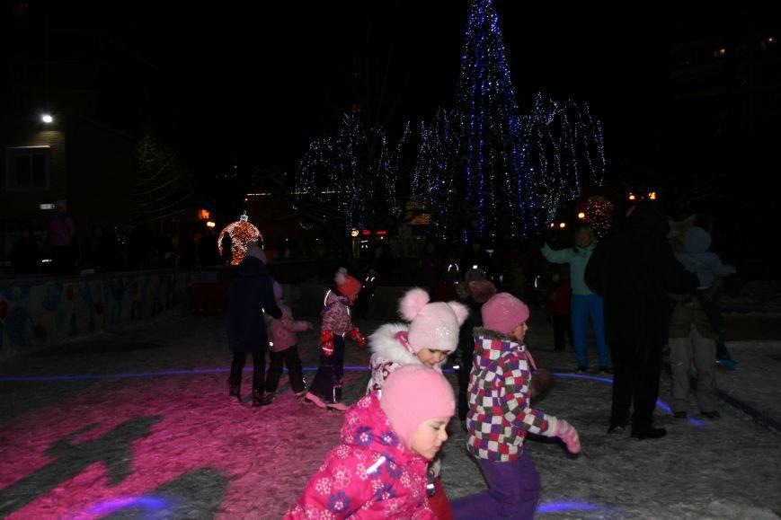 В новой Москве в Троицке на Рождество жителей города поздравили артисты столицы (ФОТО), фото-4