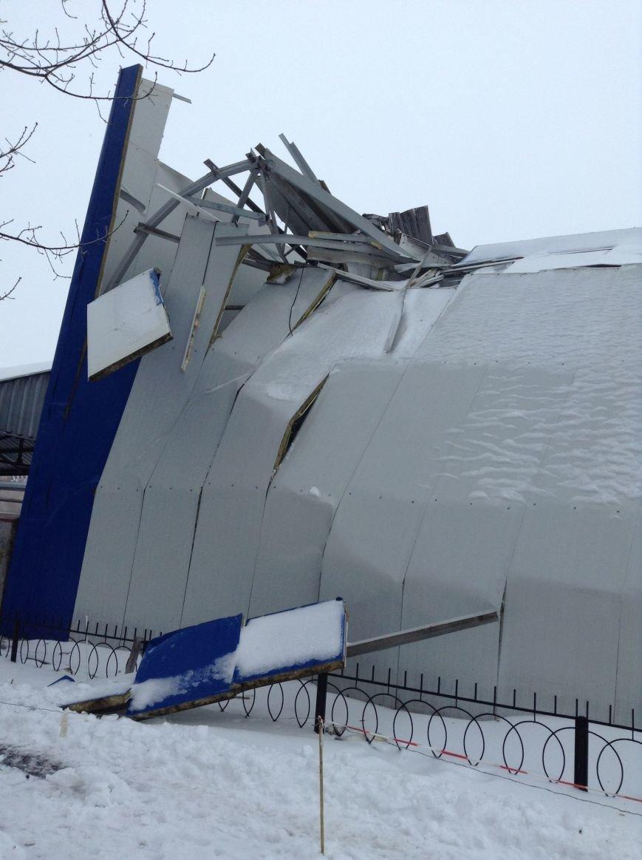 ПЗМС відновить свій спорткомплекс, завалений снігопадом (фото) - фото 1