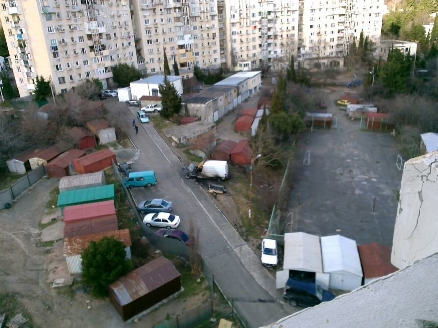 ФОТОФАКТ: в Ялте ночью были сожжены 2 автомобиля (фото) - фото 2