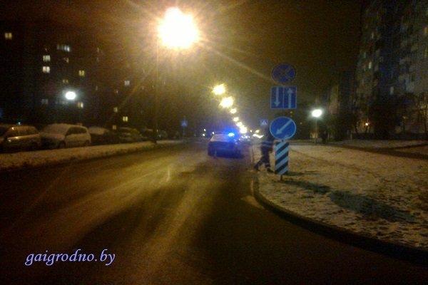 В Гродно на пьяного пешехода, уснувшего посреди проезжей части дороги, наехал автомобиль (фото) - фото 3