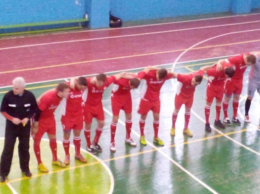 Авдеевский «Коксохимик» отыграл 6 игр в региональной и 5 игр в первой лигах по мини футболу (ФОТО), фото-1