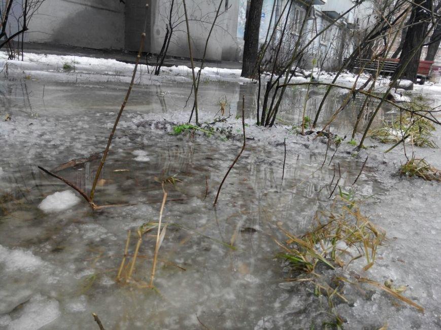 В Запорожье - дождь:  дороги превратились в ручьи, - ФОТО (фото) - фото 1