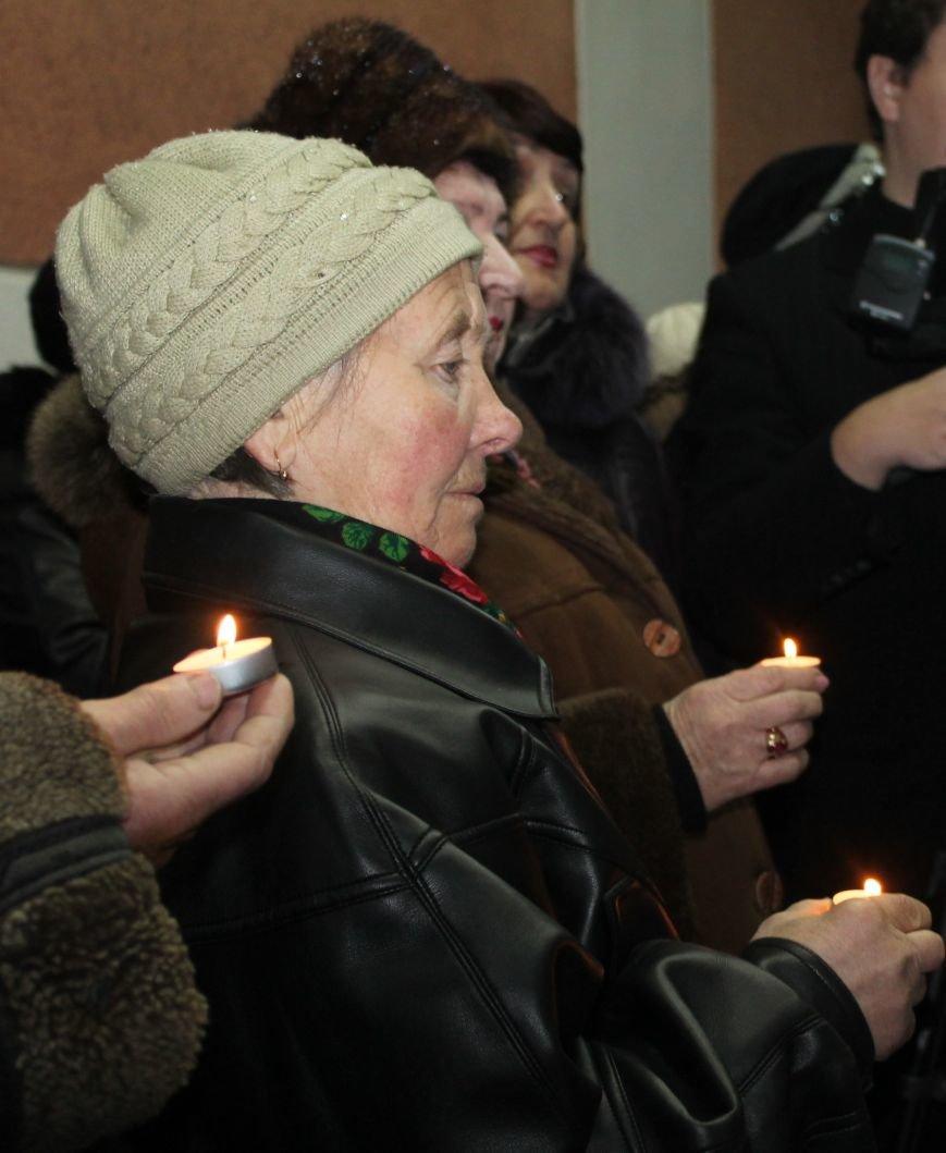 В Артемовске-Бахмуте почтили память жертв геноцида еврейского народа, фото-3