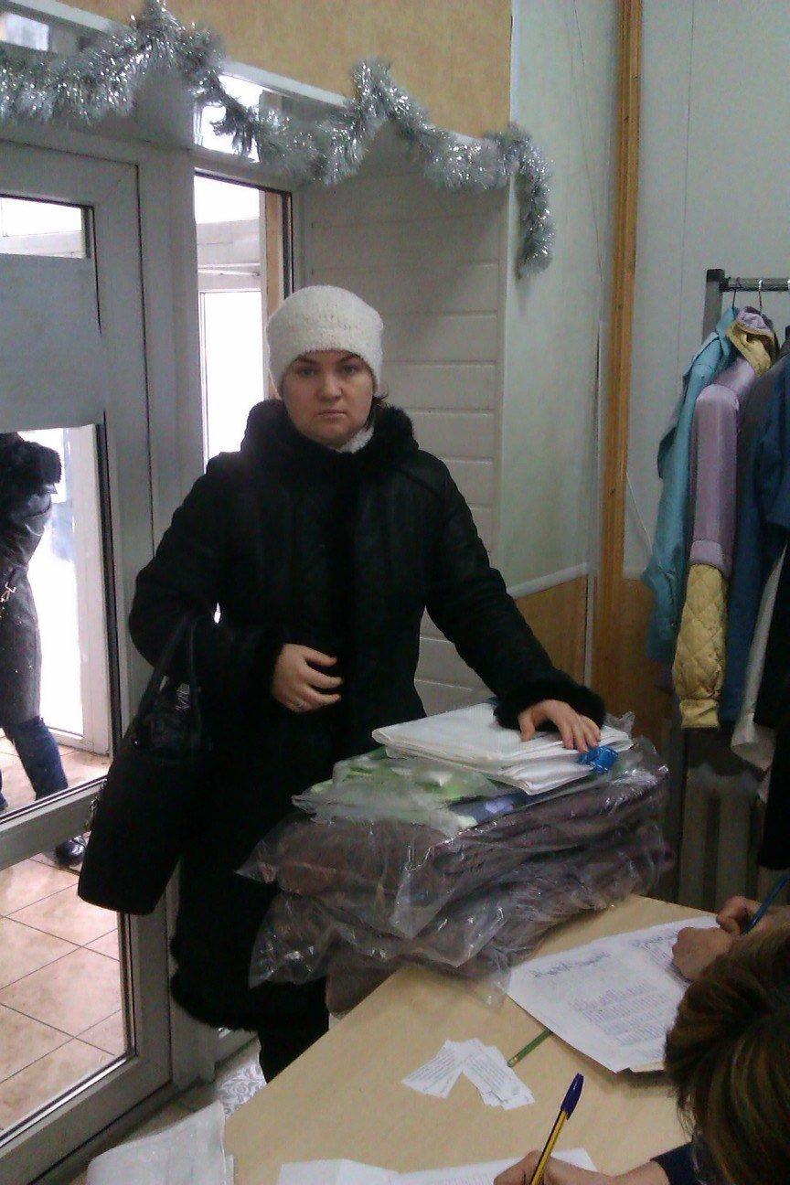 Сегодня переселенцы, живущие в Красноармейске, получили гуманитарную помощь, фото-5
