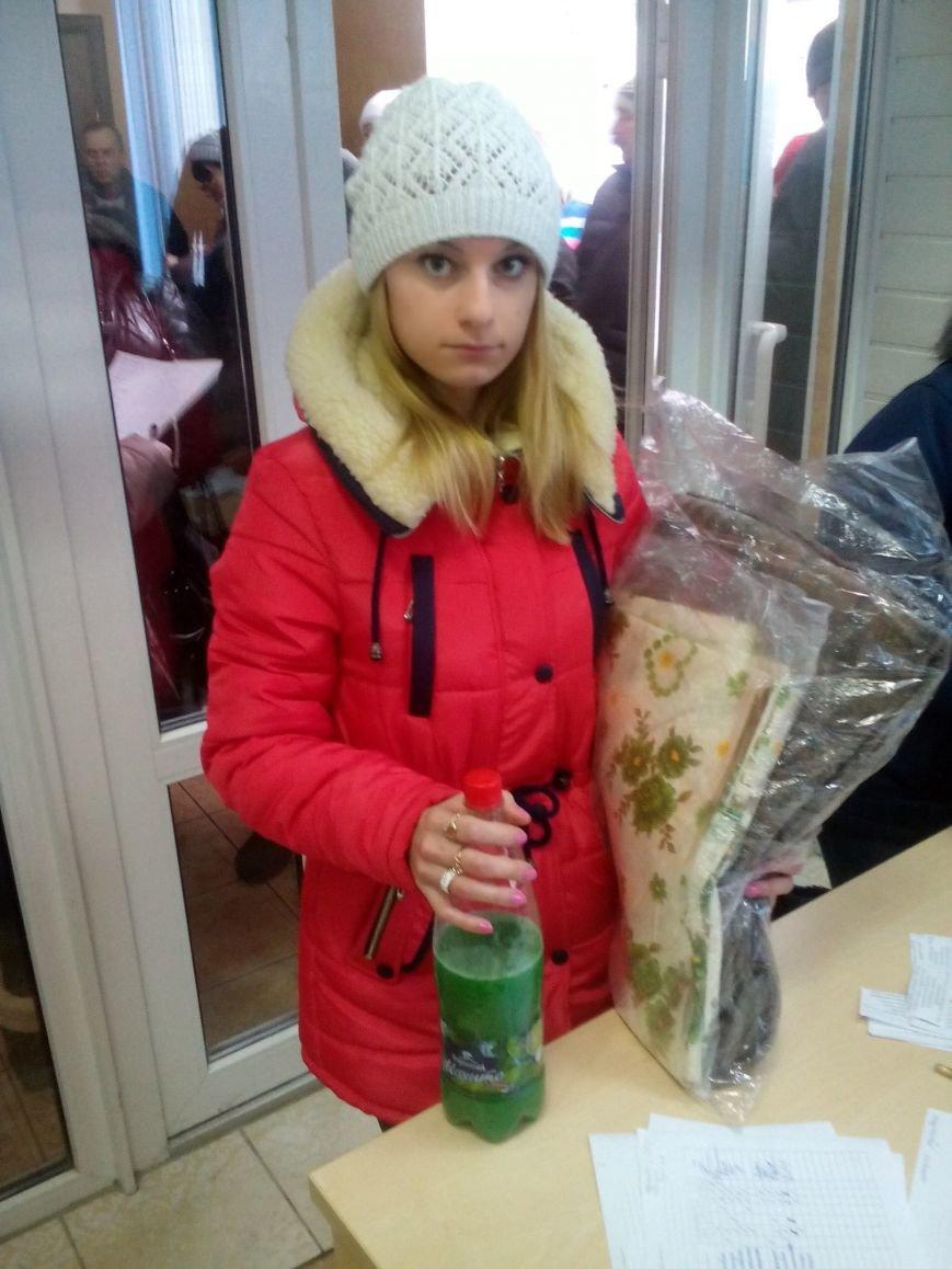 Сегодня переселенцы, живущие в Красноармейске, получили гуманитарную помощь, фото-13