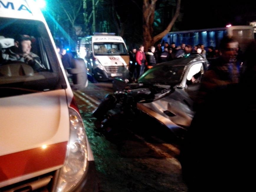 Вечером в Симферополе в страшной аварии погибла девушка (ФОТО) (фото) - фото 6