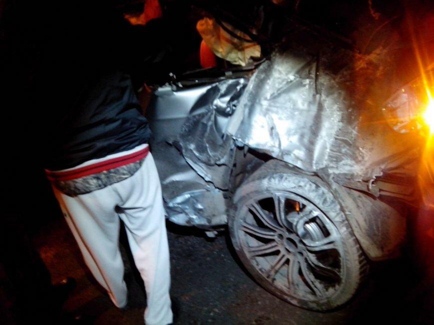 Вечером в Симферополе в страшной аварии погибла девушка (ФОТО) (фото) - фото 1