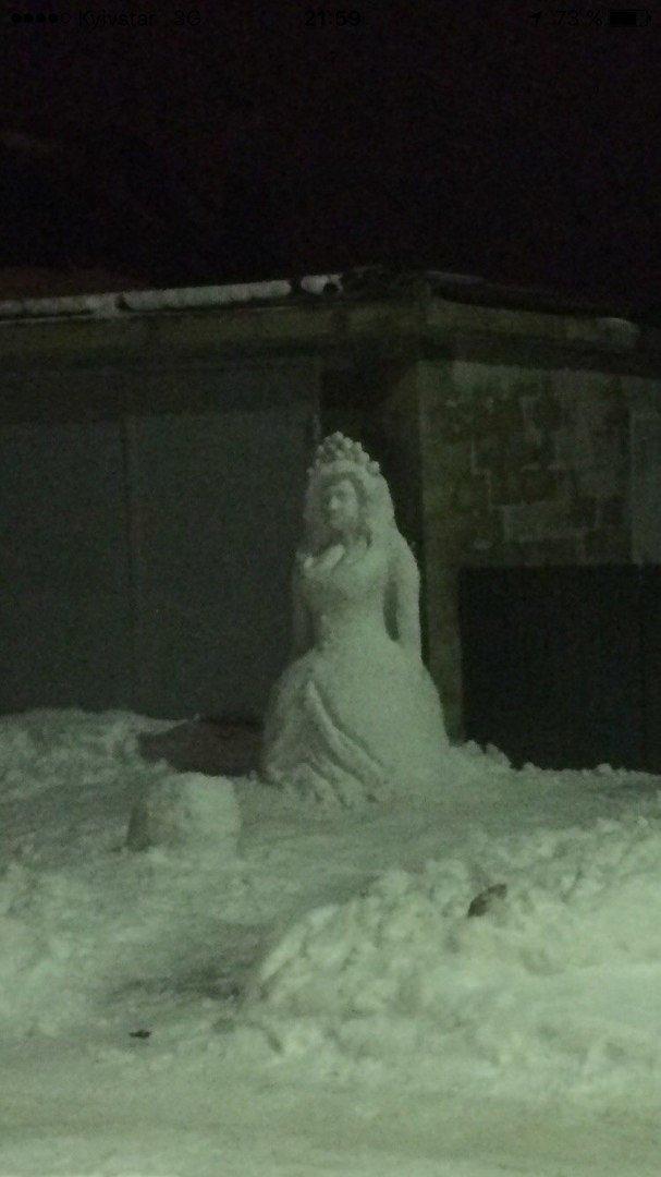 снеговик мирный