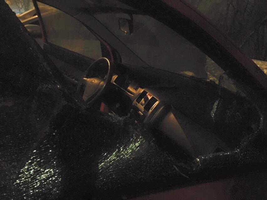 В Киеве неизвестные разбили автомобиль журналистки (ФОТО), фото-2