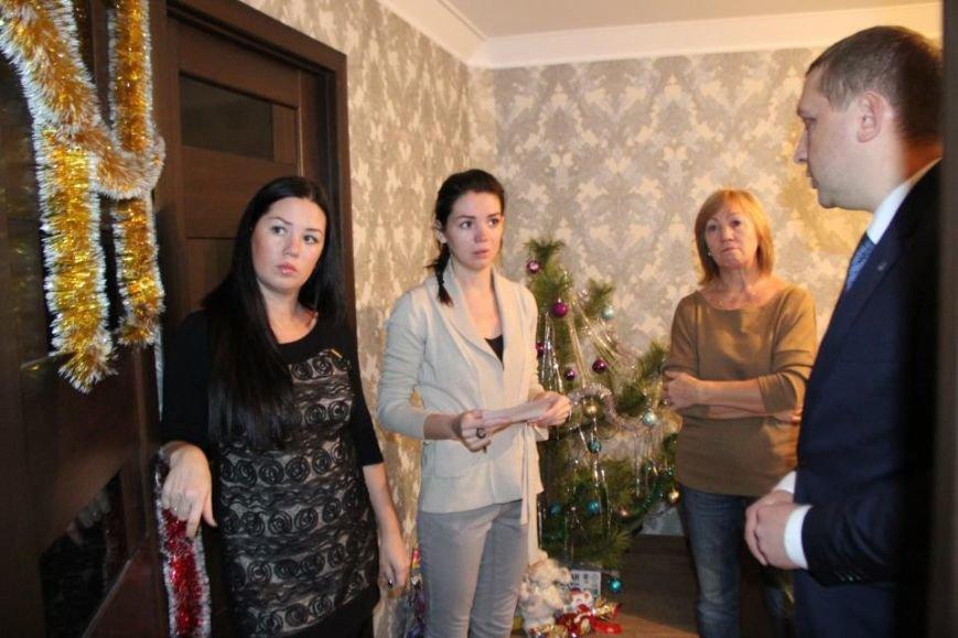 В Кременчуге вручили ордер на квартиру жене погибшего бойца АТО Станислава Души, фото-3
