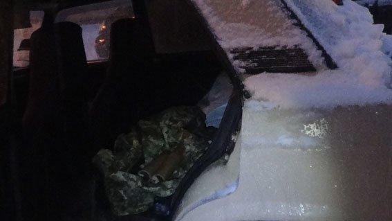 В Артемовске-Бахмуте стражи дорог изъяли две дымовые шашки (фото) - фото 1
