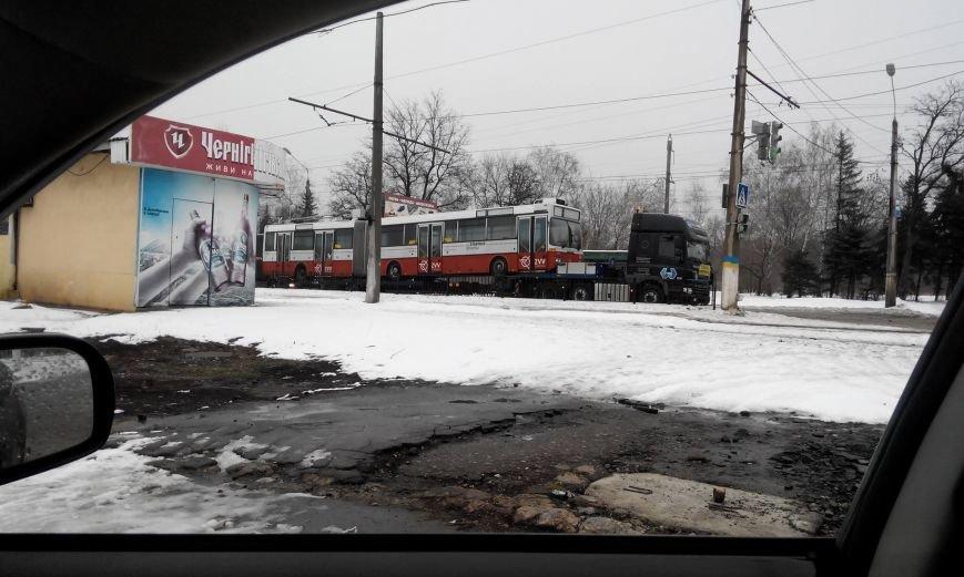 По Краматорску провезли немецкий троллейбус, фото-1