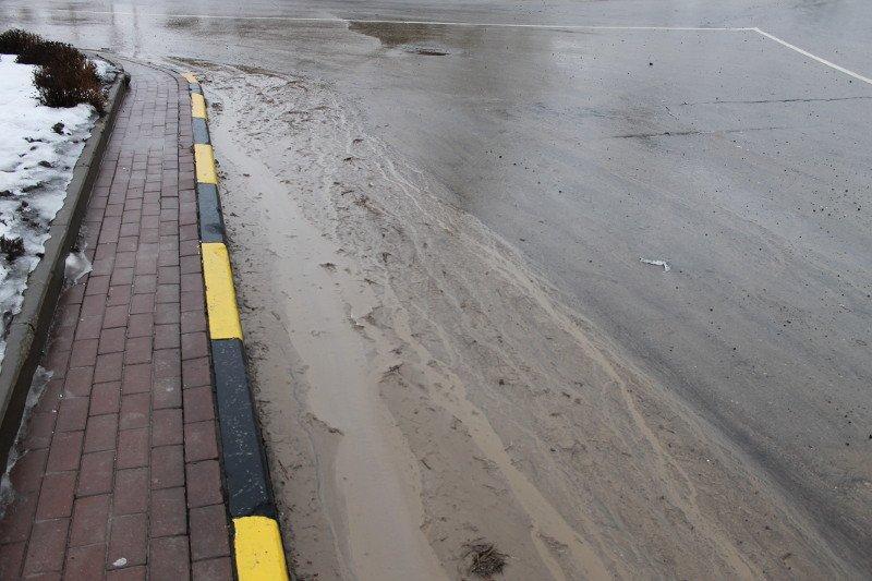 Движение по проспекту Стачки полностью восстановлено после схода грунта - мэрия, фото-2