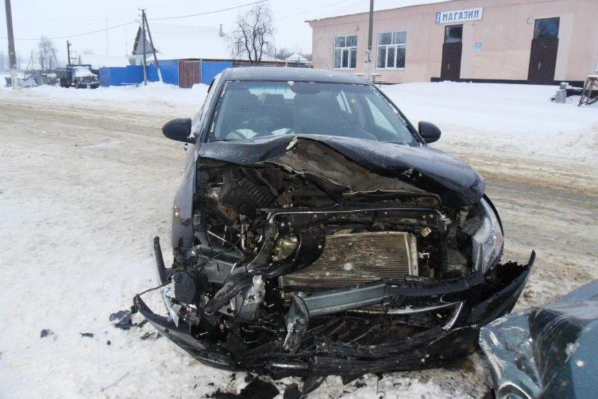 В Белгороде таксист проехал на красный свет и врезался в «Ладу» — пострадали две 11-летние девочки (фото) - фото 1