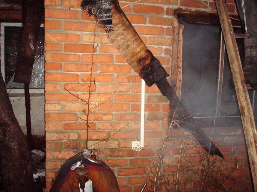 Полтавські рятувальники врятували житловий будинок від знищення полум'ям (фото) - фото 1