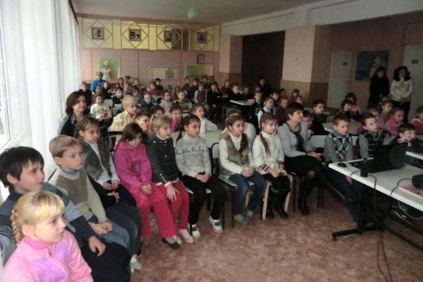 Днепропетровские спасатели провели разъяснительную работу с детьми о запрете выхода на тонкий лед (ФОТО) (фото) - фото 1