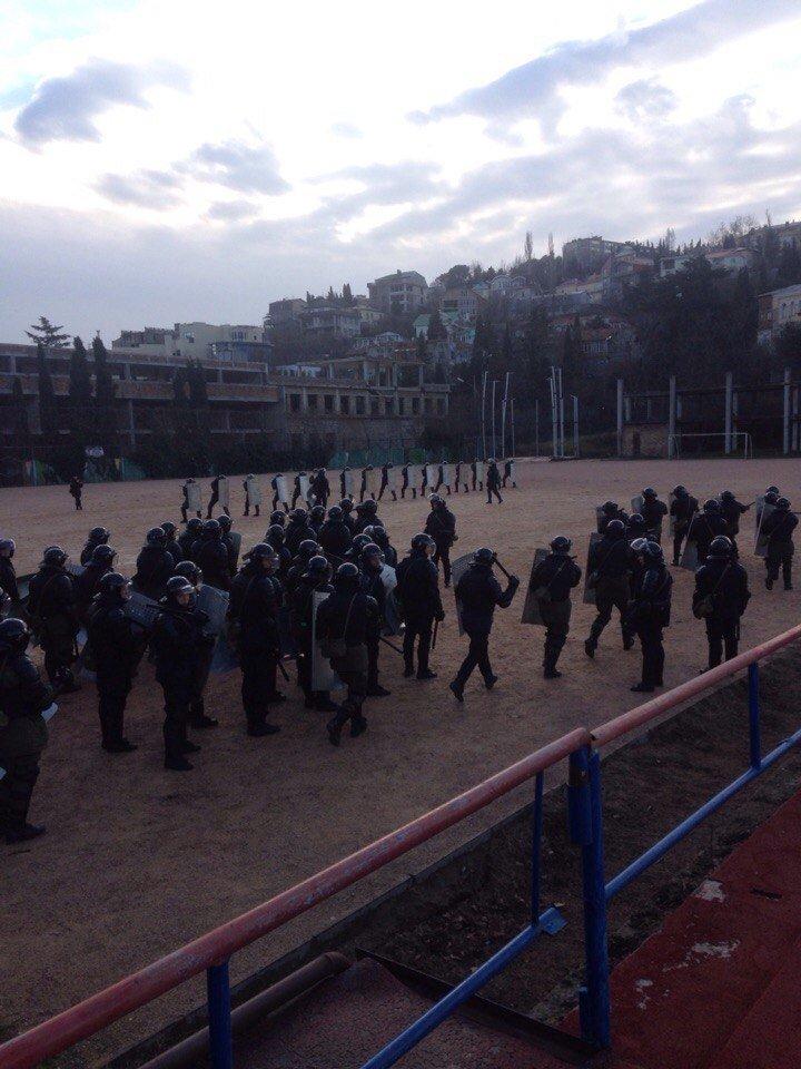 ФОТОФАКТ: в Ялте продолжаются учения внутренних войск МВД (фото) - фото 1