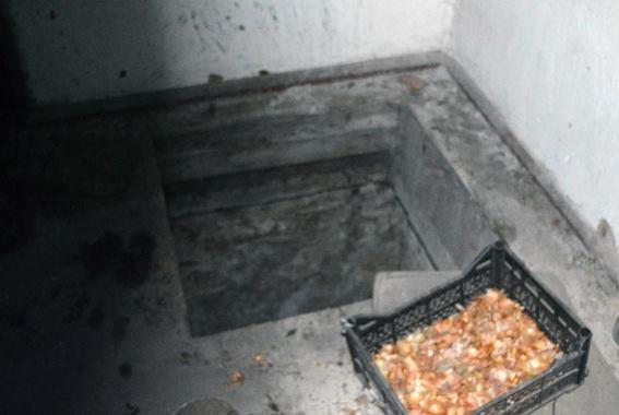 Жители Красноармейска запасаются боеприпасами - хранят их в спальнях и даже подвалах, фото-1