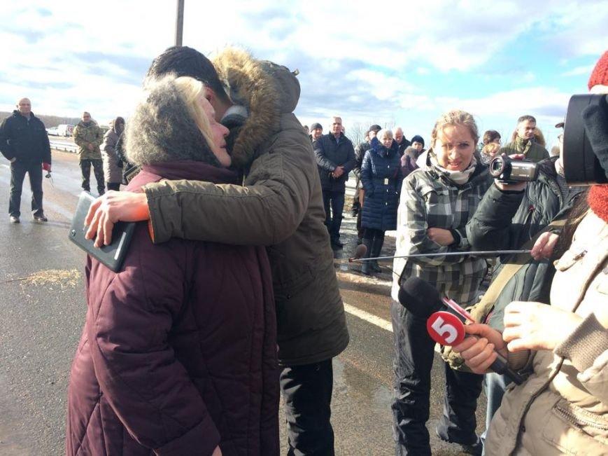 За расстрел автобуса с мирными жителями под Волновахой никто не наказан (ФОТО, ВИДЕО), фото-3