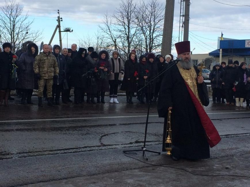 За расстрел автобуса с мирными жителями под Волновахой никто не наказан (ФОТО, ВИДЕО), фото-1