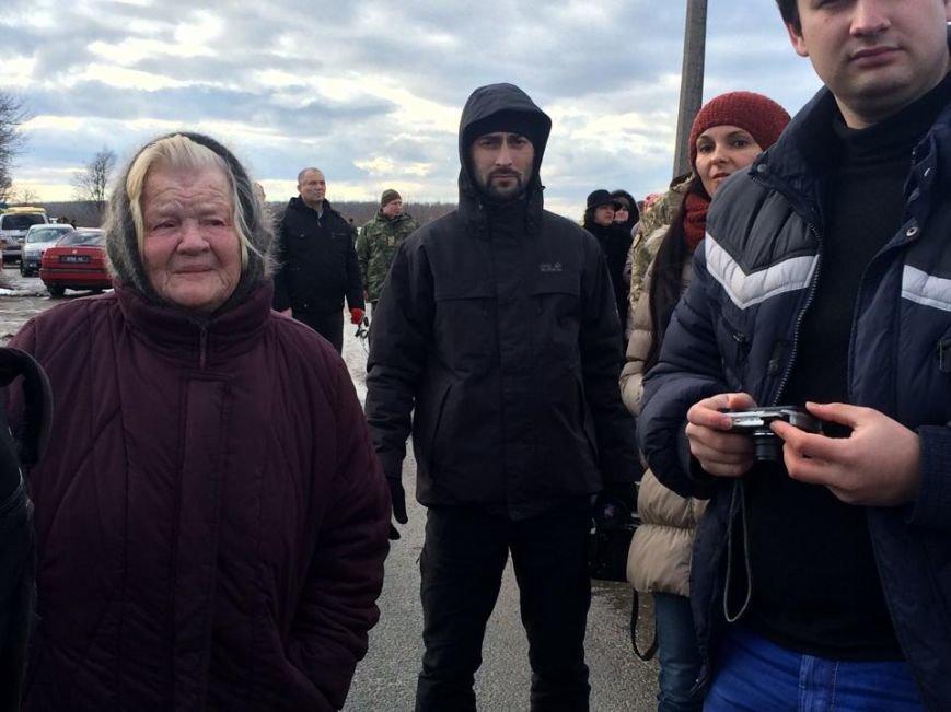 За расстрел автобуса с мирными жителями под Волновахой никто не наказан (ФОТО, ВИДЕО), фото-4