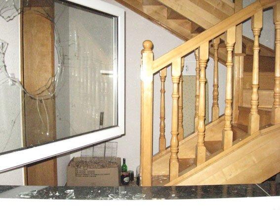 Вор в Чернигове не погнушался унести вино и носки (фото) - фото 1