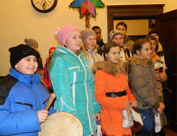 На Щедрий вечір поліцейські зустрічали у себе в гостях дітей (ФОТО) (фото) - фото 1
