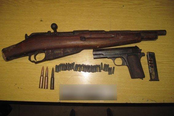 Житель Черниговской области хранил дома раритетное оружие (фото) - фото 1