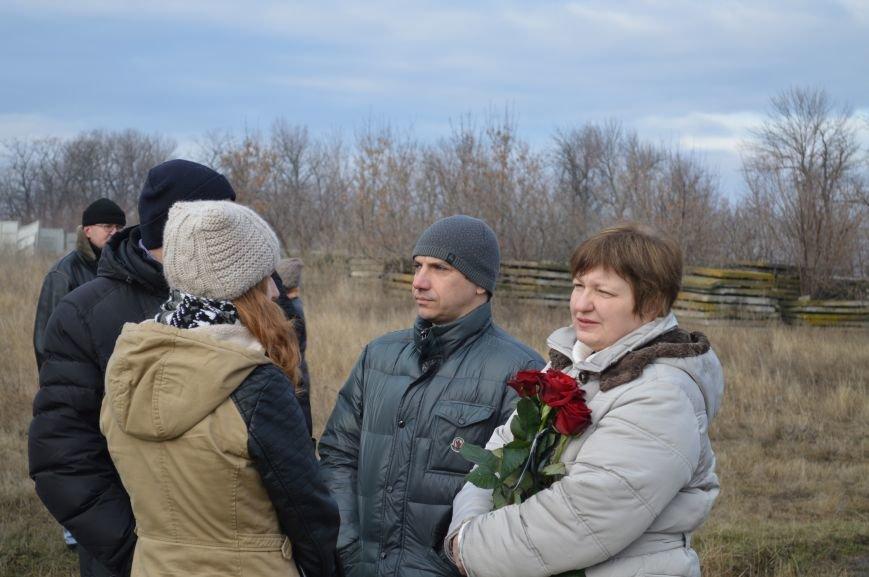 На запорожском кладбище похоронили последнего солдата, погибшего под Иловайском, - ФОТО, ВИДЕО, фото-7