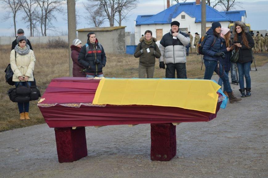 На запорожском кладбище похоронили последнего солдата, погибшего под Иловайском, - ФОТО, ВИДЕО, фото-4