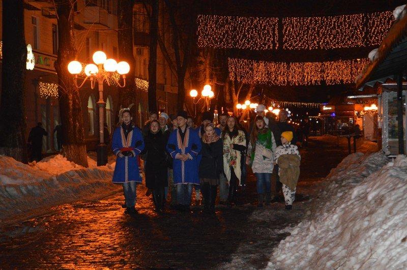 Полтавські депутати на щедрували близько 4 тисяч гривень для бійців АТО (фото) - фото 1
