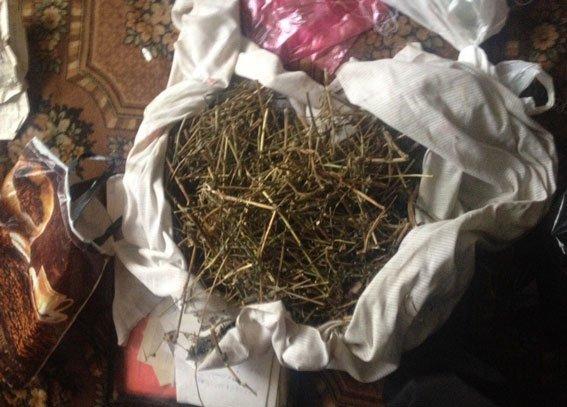 У жителя Кременчугского района нашли 5 кг наркотиков и револьвер (ФОТО) (фото) - фото 3