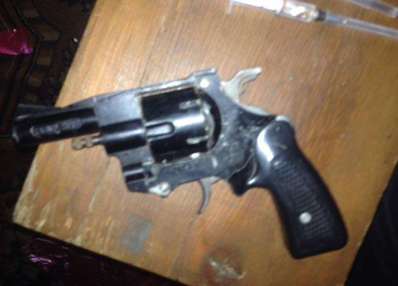 У жителя Кременчугского района нашли 5 кг наркотиков и револьвер (ФОТО) (фото) - фото 5