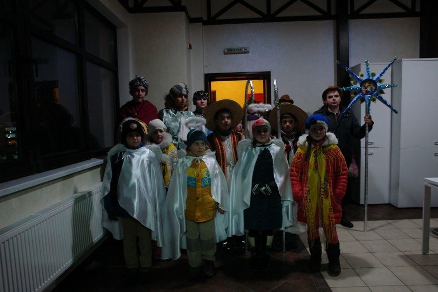 До редакції франківського сайту завітали юні колядники (ФОТО, ВІДЕО) (фото) - фото 1