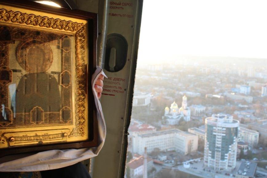 Священники с иконой Божией Матери облетели Симферополь на вертолете (ФОТО) (фото) - фото 4