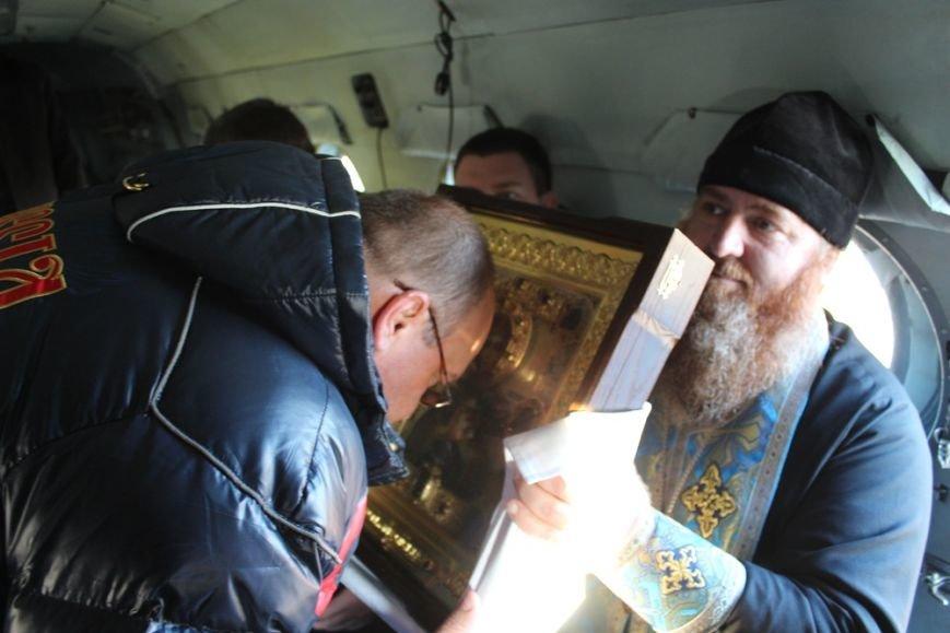 Священники с иконой Божией Матери облетели Симферополь на вертолете (ФОТО) (фото) - фото 3