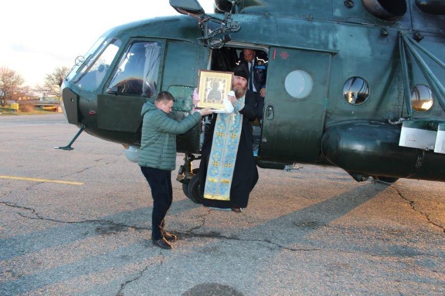 Священники с иконой Божией Матери облетели Симферополь на вертолете (ФОТО) (фото) - фото 2