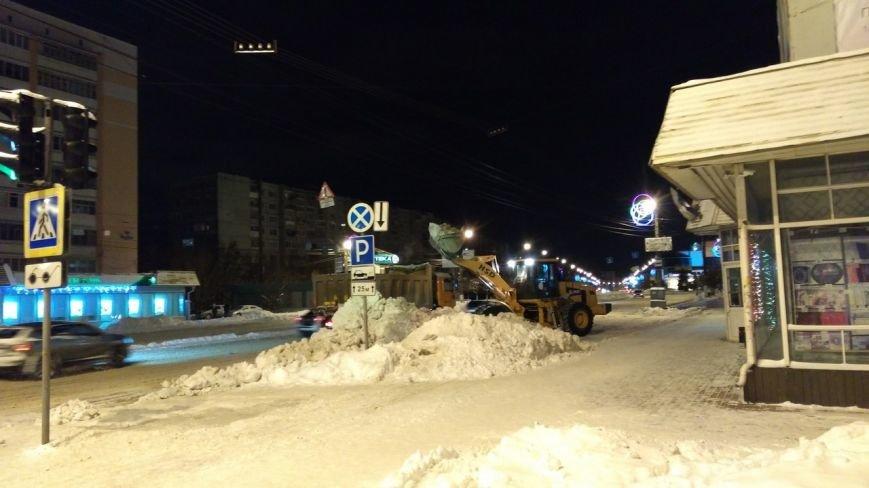 Ночью  в Твери  на уборку снега вышло 98 единиц техники (фото) - фото 2