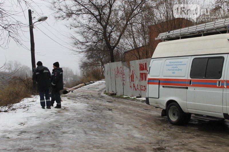 В Ростове закрыли улицу возле памятника Стачке 1902 года, где обвалился грунт (фото) - фото 1