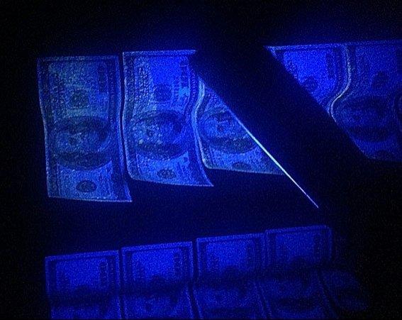 Днепропетровский коммунальщик попался на взятке в 8 тыс. долларов (ФОТО) (фото) - фото 1