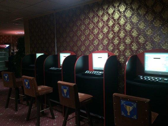 В Мариуполе ищут игральные клубы и казино (фото) - фото 1