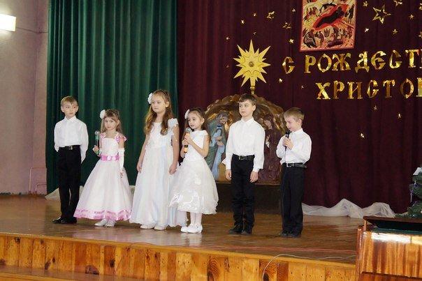 Череду рождественских городских мероприятий в Новополоцке продолжил детский праздник «Кто добро творит, того Бог благословит!» (фото) - фото 13