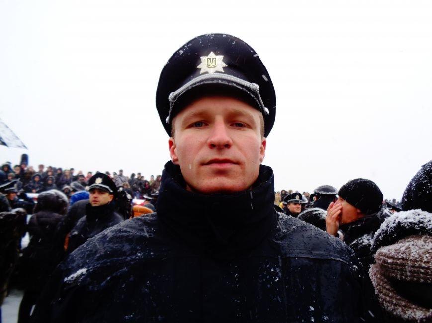 Днепропетровские патрульные рассказали, почему пошли в полицию (ФОТО) (фото) - фото 1