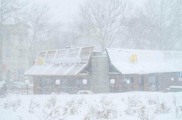 Николаев замело снегом: ситуация на дорогах города и области (Постоянно обновляется) (фото) - фото 1
