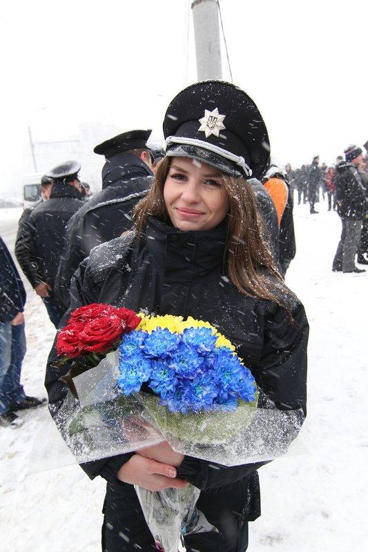 950 полицейских приступили к работе в Днепропетровске (ФОТО) (фото) - фото 12